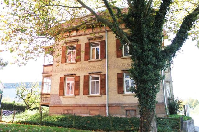 Ferienwohnungen Metzingen mit Balkon