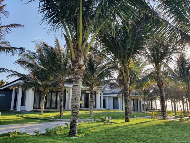 Starlight Villa Beach Resort & Spa