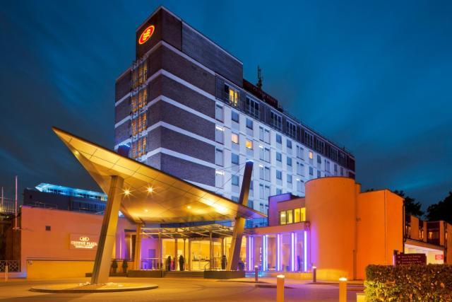 Crowne Plaza London - Gatwick Airport, an IHG Hotel