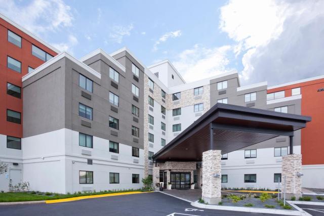 Holiday Inn Express Roseville-St. Paul, an IHG Hotel