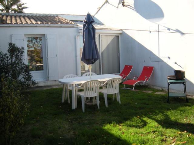 Maison de 2 chambres a La Couarde sur Mer avec jardin clos et WiFi a 500 m de la plage