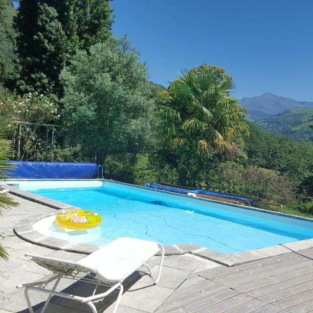 Villa de 3 chambres a Aspin en Lavedan avec magnifique vue sur la montagne piscine privee jardin clos a 38 km des pistes