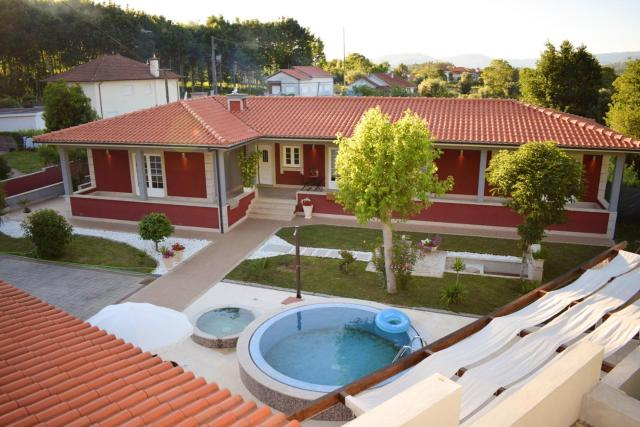 House with 4 bedrooms in Rebordoes Souto with wonderful mountain view private pool enclosed garden 25 km from the beach