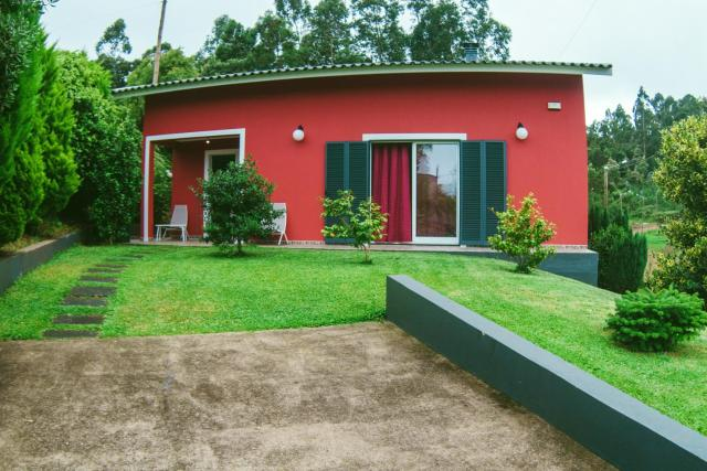 House with 3 bedrooms in SAO JORGE SANTANA with wonderful mountain view enclosed garden and WiFi 1 km from the beach