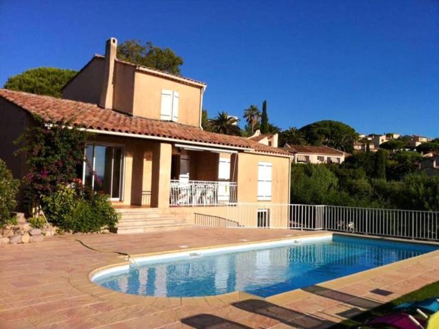Villa de 4 chambres a Roquebrune sur Argens avec magnifique vue sur la mer piscine privee jardin clos a 400 m de la plage