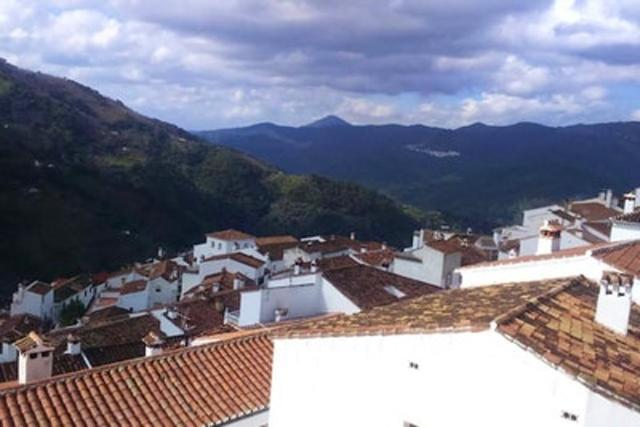 Apartment with 3 bedrooms in Jubrique with wonderful mountain view and terrace