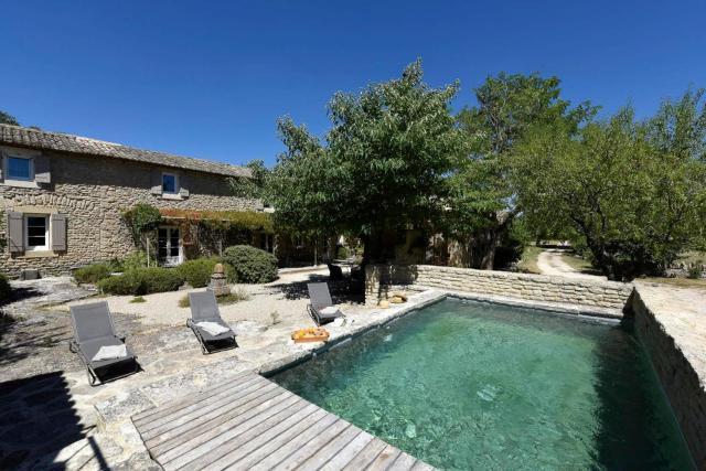 Coustellet Villa Sleeps 6 Pool WiFi