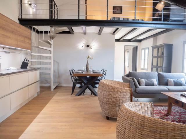 Cozy Nest In The Center Of Isle Sur La Sorgue For 4 People