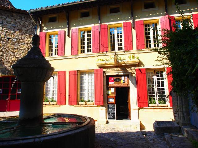 Hostellerie Le Beffroi, The Originals Relais (Relais du Silence)