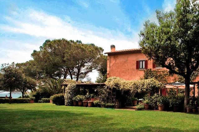 Talamone Villa Sleeps 10 Pool WiFi