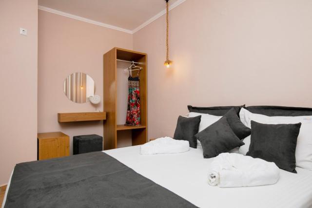 Arion Apartments
