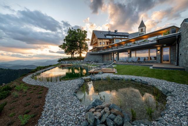 Gipfelhaus Magdalensberg Familie Skorianz