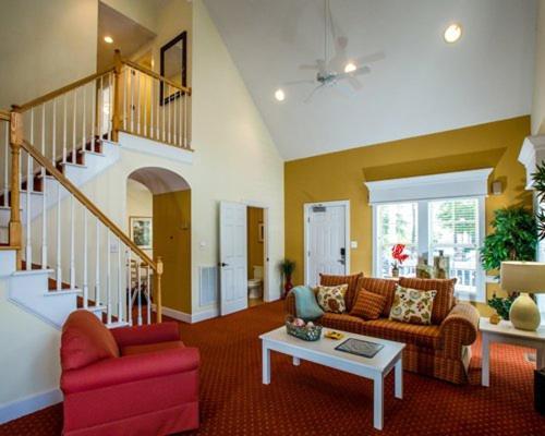 Scenic Vacation Resort Properties in Historic Williamsburg