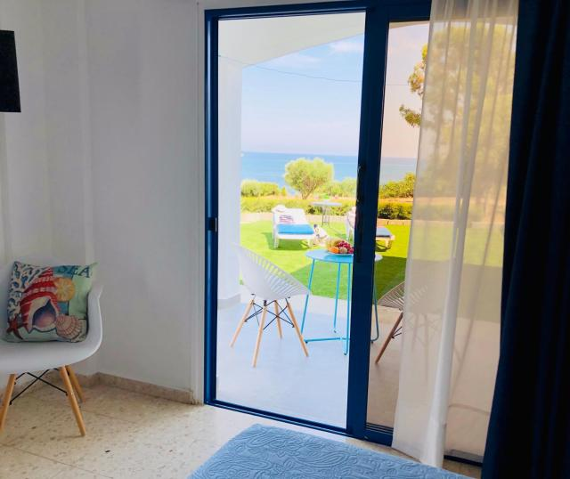 Governors Beach Costas Holiday Apartments