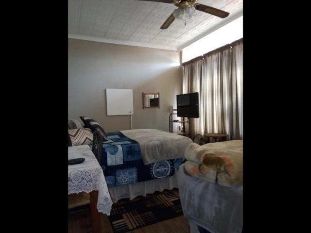 Casa Villa Guest House Carletonville - Suite 1