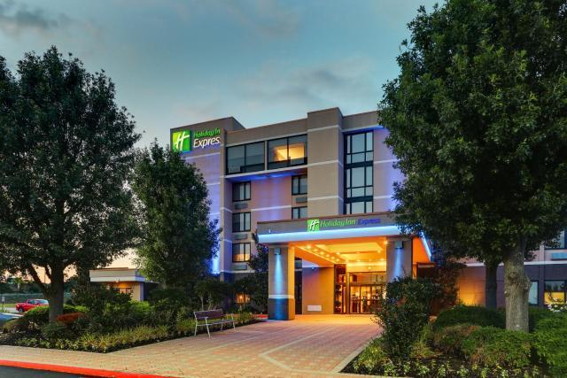 Holiday Inn Express Aberdeen-Chesapeake House, an IHG Hotel