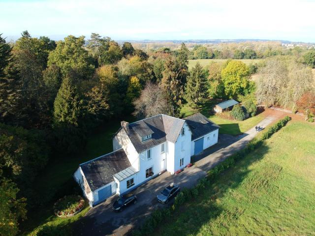 Maison de 4 chambres a Pontorson avec jardin clos et WiFi a 30 km de la plage