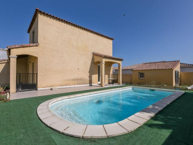 Majestic Holiday Home in Pinet with Private Pool