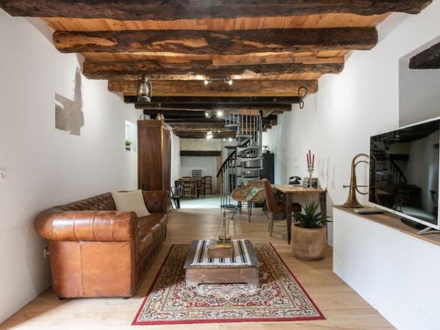 Cozy Cottage in Peyzac-le-Moustier with Garden