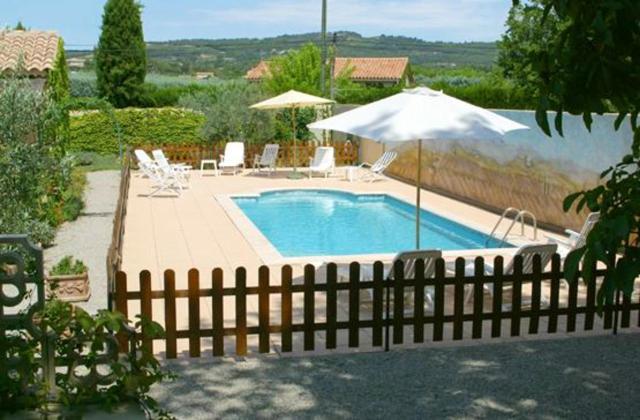 Maison de 2 chambres a Vaison la Romaine avec piscine partagee jardin clos et WiFi
