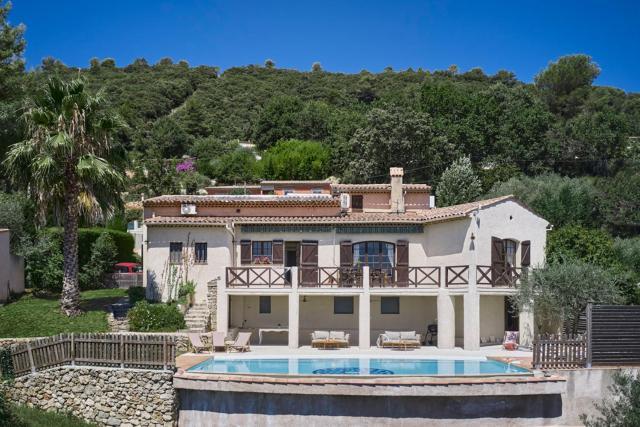 Sunlight Properties - Villa Olea - 5 bedrooms with pool