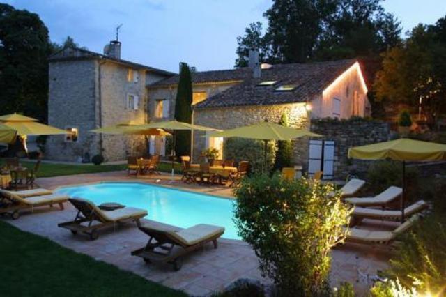 Studio a Forcalquier avec piscine partagee jardin clos et WiFi