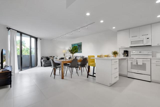 NEWLY REMODELED - Key Colony apartment