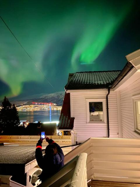 Apartment with one bedroom in Tromso with wonderful sea view and WiFi 4 km from the beach