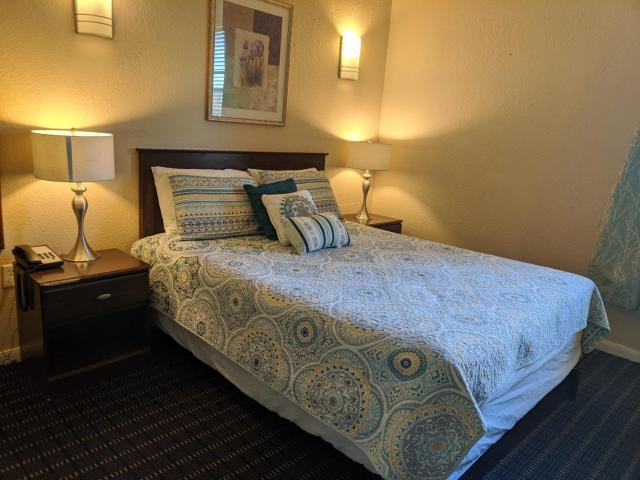 Athens Hotel & Suites