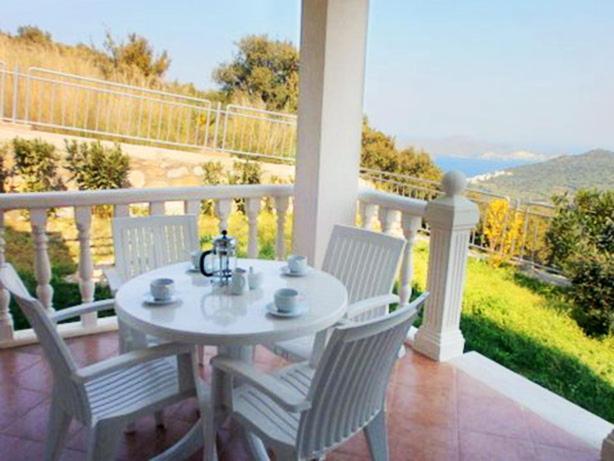 Ortakent Apartment Sleeps 6 Pool Air Con WiFi