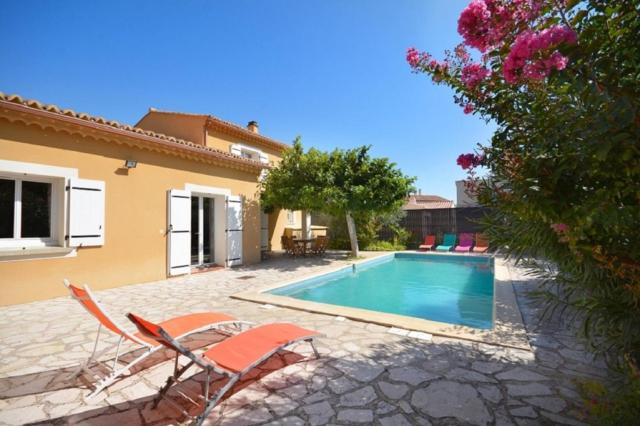 Villa de 3 chambres a Saint Didier avec piscine privee jardin clos et WiFi a 60 km des pistes