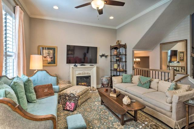 Pet-Friendly Townhome about 2 Mi to Town Square!