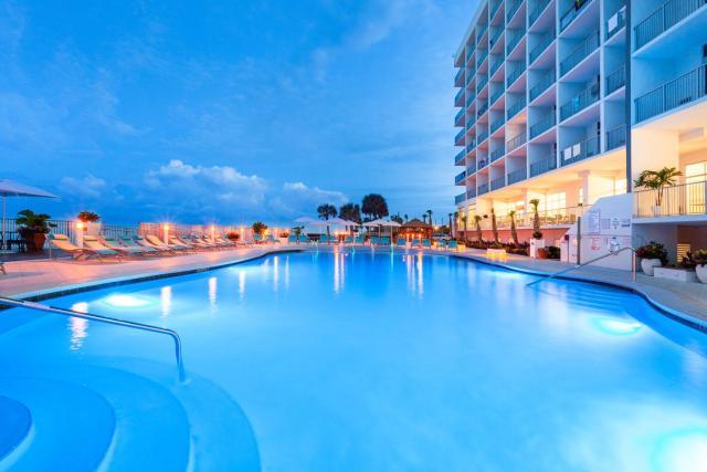 Holiday Inn Express & Suites Panama City Beach - Beachfront, an IHG Hotel