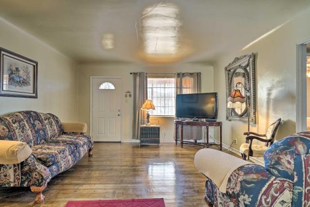 Quaint Dtwn El Paso Home with Attached Studio!