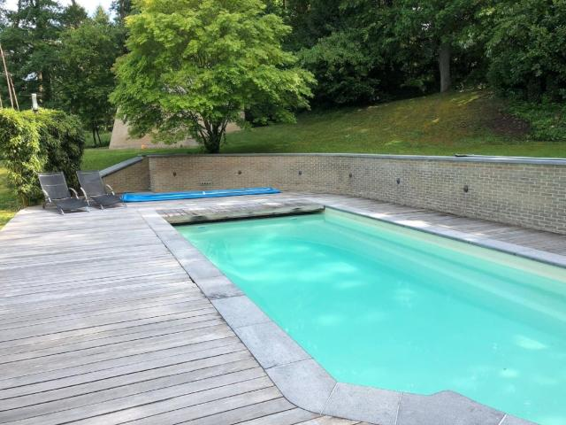Picturesque villa in Bierges with swimming pool and barbeque