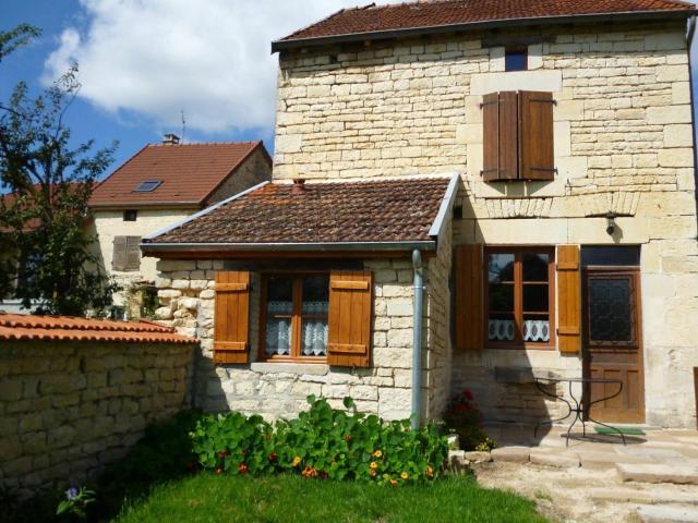 Gîte Pont-la-Ville, 2 pièces, 3 personnes - FR-1-611-59