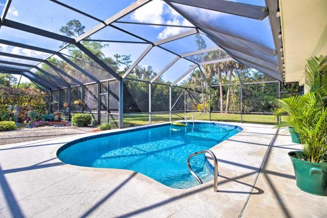 Serene Retreat with Lanai, 15 Mi to Palm Beach!