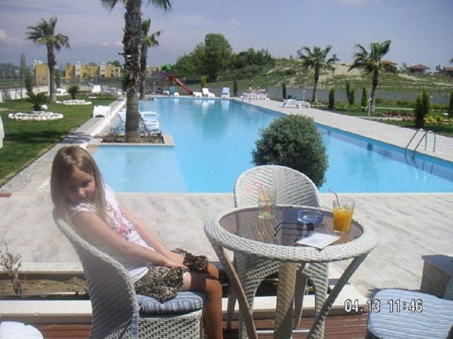 Babylon De Lux 2 bed duplex home close to everything with wonderful views