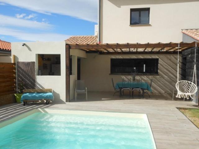 Superbe villa piscine privée 8 personnes 8RH21