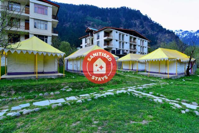 Vaccinated Staff - OYO 36903 Retro Valley Camping Resort