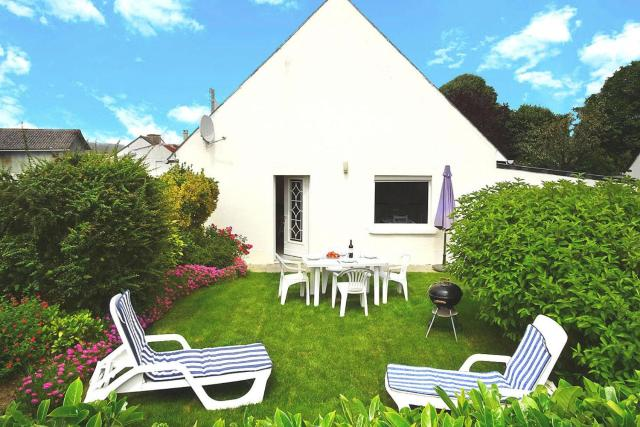 Holiday Home Hillion - BRE02511-F