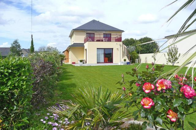Holiday Home Plouguerneau - BRE05230-F