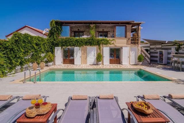 Tramonto Villa