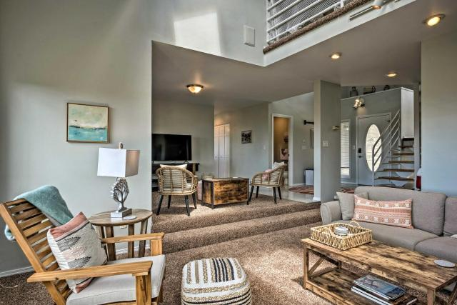Chic Coos Bay Home with Pacific Ocean Views!