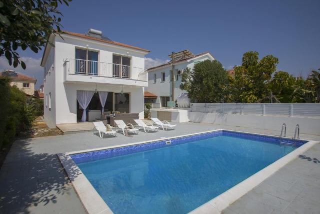 Picture Renting Your 5 Star Beachfront Villa, Larnaca Villa 1395