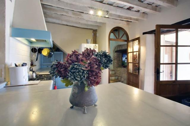 Lovely 4-Bed House in the National Park of Jimena