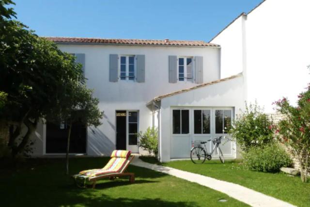 Nice charming house near the beach