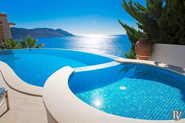 Yenikoy Villa Sleeps 10 Pool Air Con WiFi