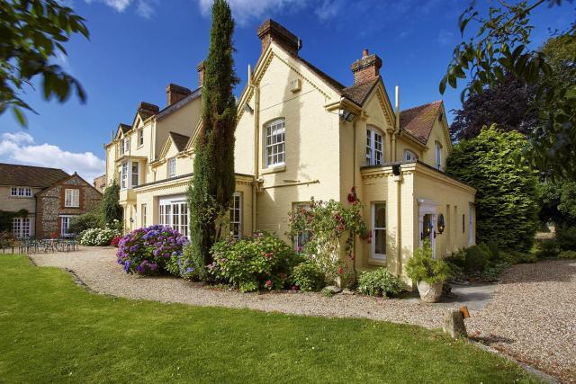 Esseborne Manor
