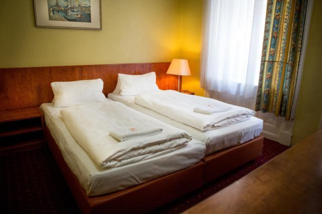 City Hotel - HEEFA OHG